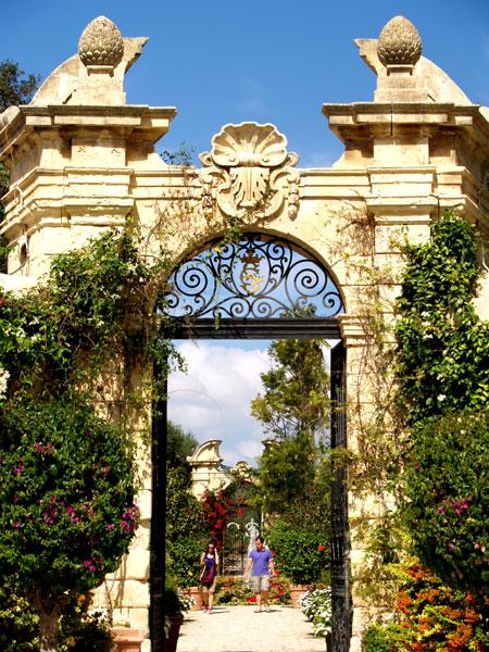 Garden Centre: International Travel News